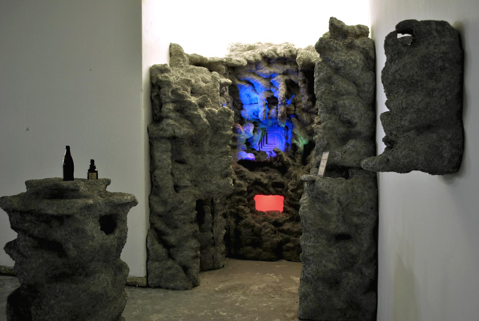 Michel Aniol Kunst Berlin Art Installation Frank Wagner Cave Canem